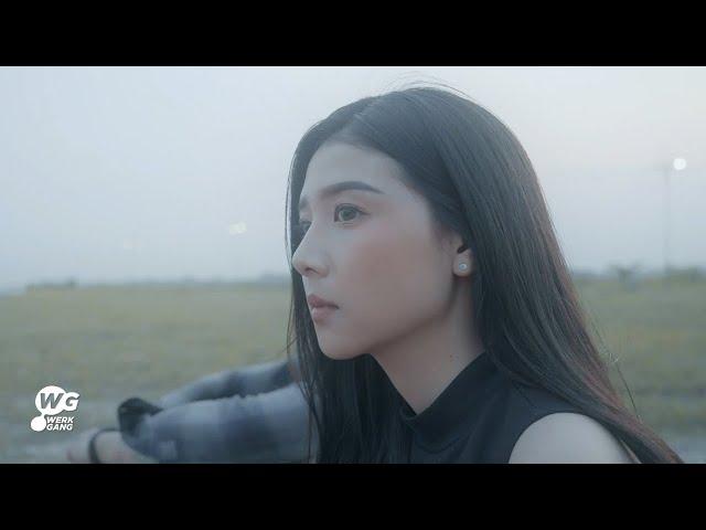 ใกล้เธอได้เท่าเดิม - HOBBIT [Official MV]