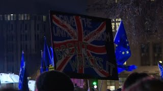 Crowds outside UK parliament react to Brexit vote outcome
