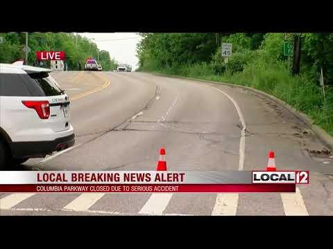 Police investigate head-on crash on Columbia Parkway