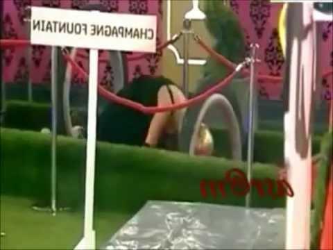 shilpa shetty shows her boobs thumbnail