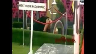 shilpa shetty shows her boobs