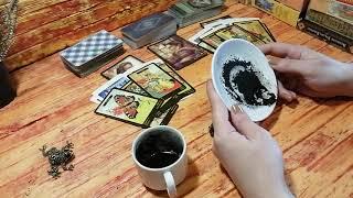 Любовный треугольник. Гадание  на кофе и картах