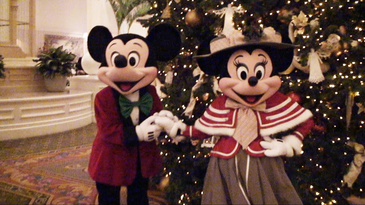 Mickey and Minnie Mouse Meet & Greet in Victorian Christmas Outfits ...