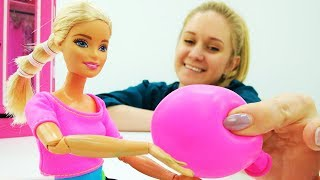 Видео для девочек. Кукла Барби придумывает, чем заняться