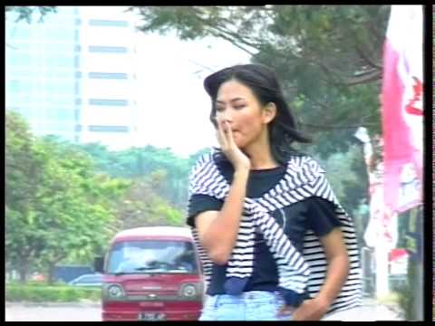 NICKY ASTRIA - MENGAPA - OFFICIAL VERSION