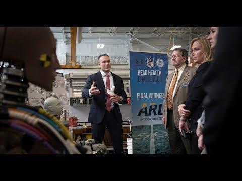 Congressional staffers visit Army laboratory