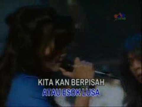 Nicky Astria - Biar Semua Hilang (Live)