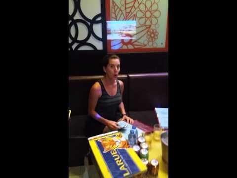Tracy Stef karaoke Vietnam ty Keanu Hoi an