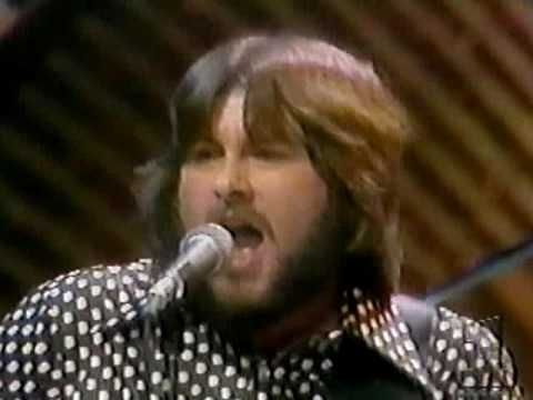 "THE GUESS WHO(LIVE VIDEO CLIP)-""HAND ME DOWN WORLD""(LYRICS)"