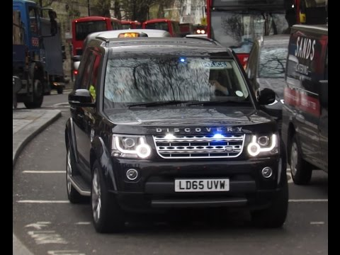 Metropolitan Police Unmarked Land Rover Discovery 4 - On Emergency Call