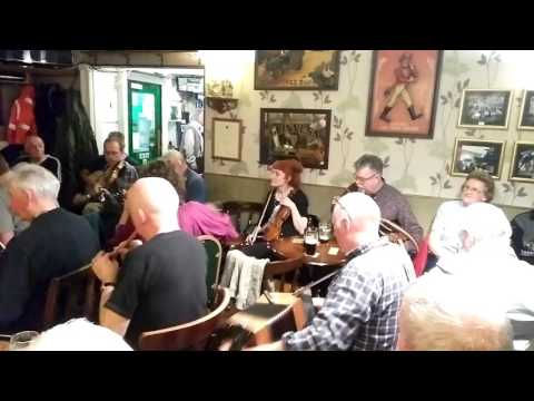 Irish music in a pub - Coventry, UK