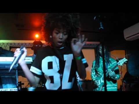Marlee in the Mixx - XO (Beyonce Cover) Live