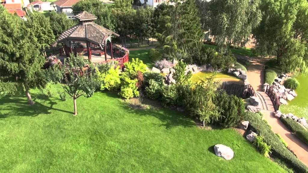 video a rienne par drone du parc des ecureuils ville la. Black Bedroom Furniture Sets. Home Design Ideas