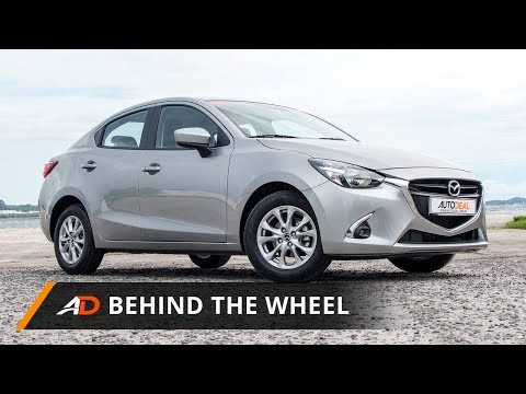 2017 Mazda 2 Sedan 1.5 SkyActiv V+ - Behind the Wheel