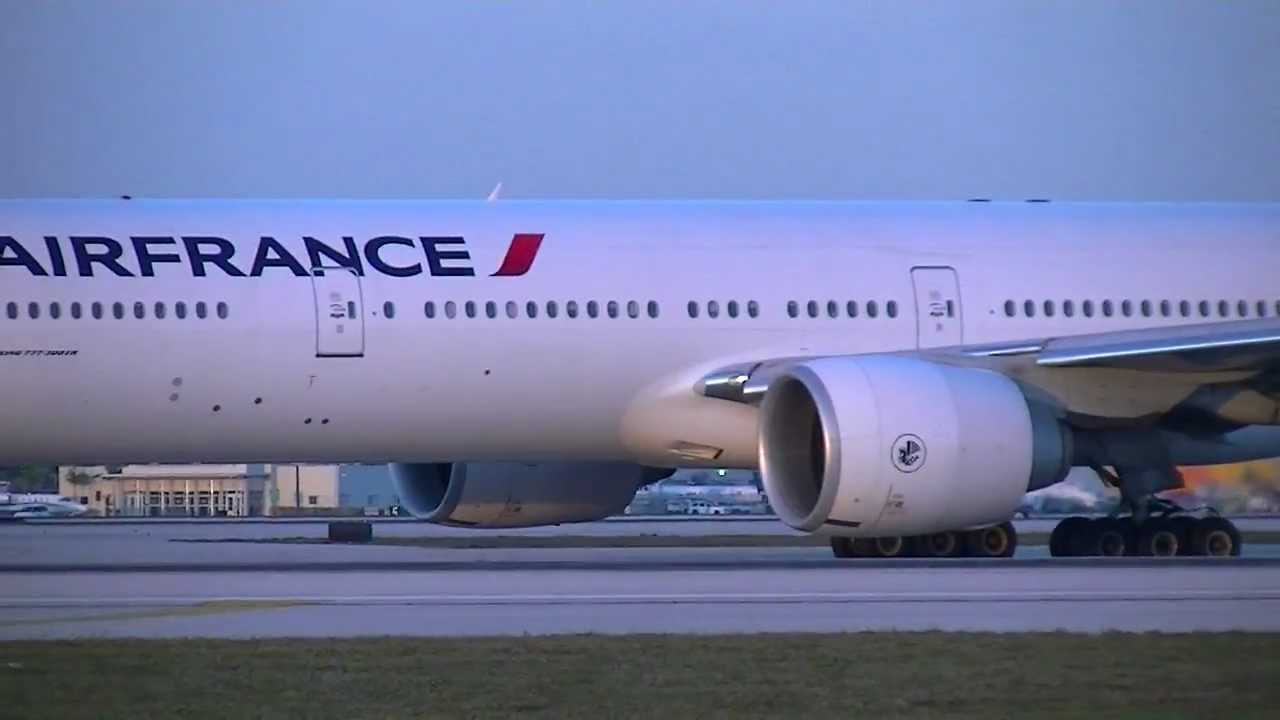 Air france boeing 777 300er miami youtube for Interieur boeing 777 300er air france