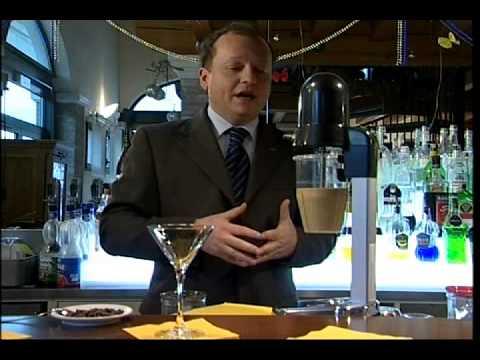 Caffè Shakerato al Baileys - Café Shakerato com Baileysиз YouTube · Длительность: 4 мин8 с