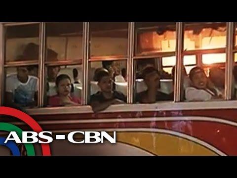 Pinoys travel home to provinces for Undas