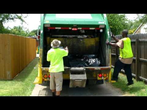 Waste Management Freightliner Mcneilus Rear Loader
