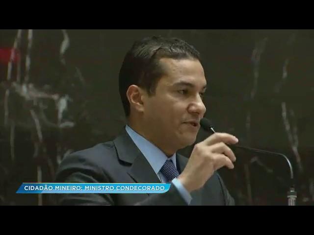 Ministro Marcos Pereira recebe Título de Cidadão de Minas Gerais