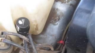видео Замена и ремонт омывателя ВАЗ 2114: Где находится бачок стеклоомывателя,