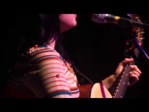 Carla Morrison - Pajarito del Amor (Show Tecate 22-12-2012)