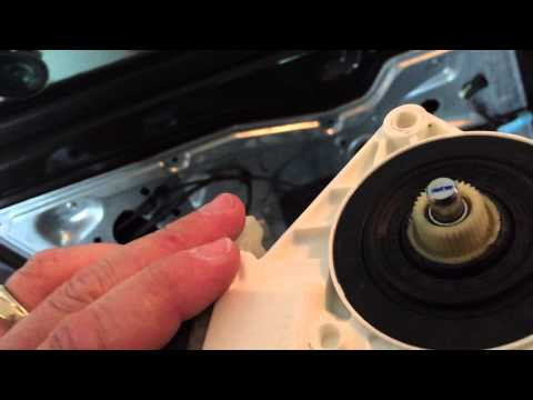 2006 Ford Fusion Front window motor and regulator replacement