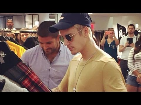 Justin Bieber denies hug from fan while clothes shopping
