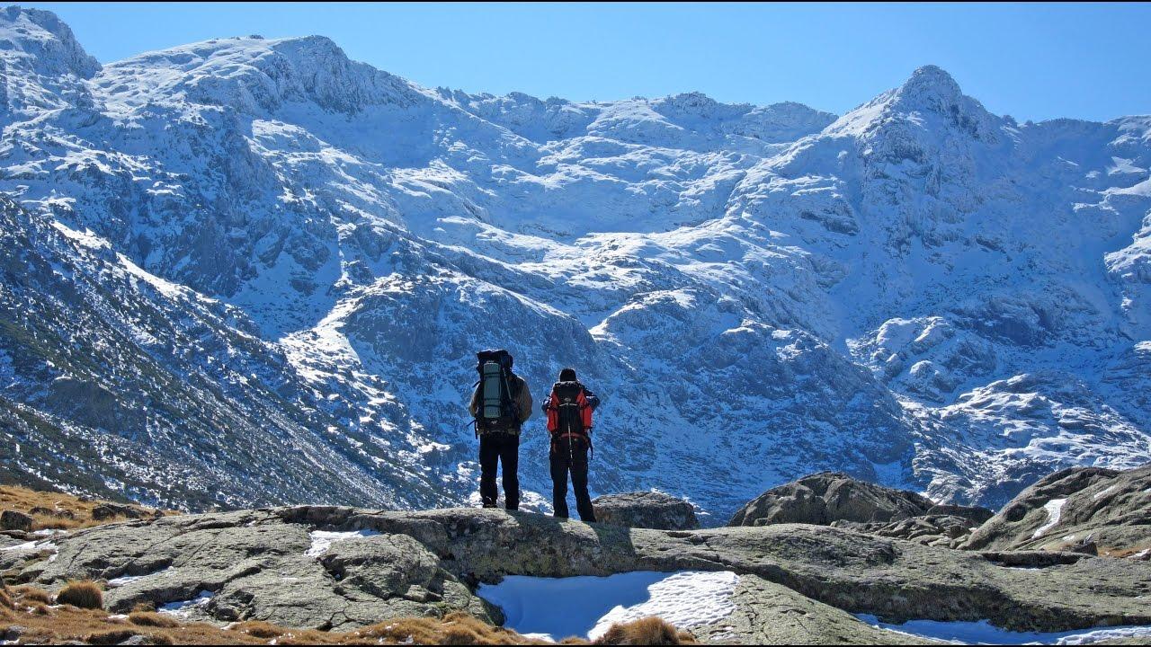 Rutas de monta a y senderismo sierra de gredos vila youtube for Piscinas naturales sierra de gredos