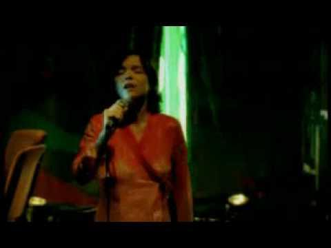 Björk - Pluto