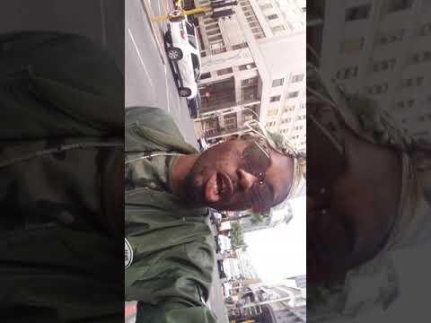 MR FOLLOW ME se balade dans les rues de cap town afrique du sud