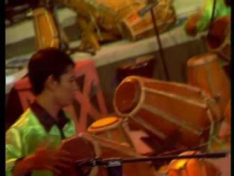 Mojang priangan (ega Robot Percussion).wmv