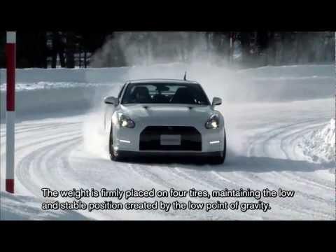 Nissan GT-R: devorador de asfalto e de... neve!