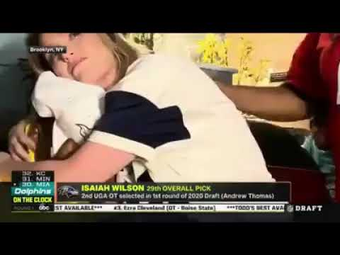Mom Of Tennessee Titans Draft Pick Isaiah Wilson Pulls His Girlfriend Off Her Son. (NFL Draft 2020)