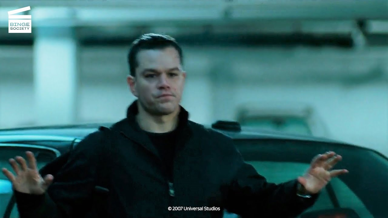 Download The Bourne Ultimatum: A thrilling car chase HD CLIP