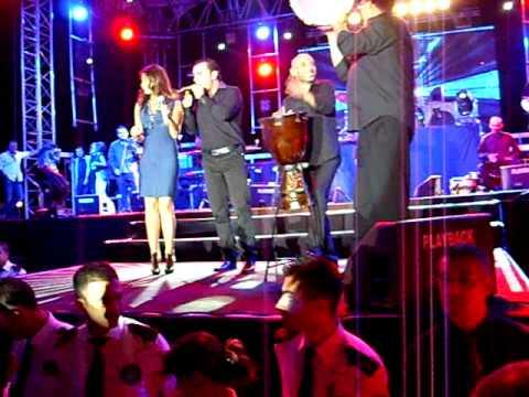 Nancy Ajram Turkey Concert (October 15, 2011) - Baldyat (Ana Menno) Zurna Show