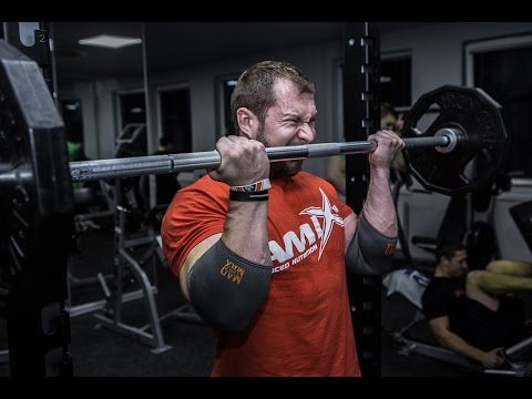 Milan Šádek IFBB Pro - biceps workout at Olympia Fitness