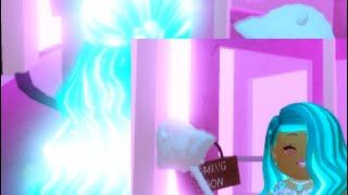 GLOWING NEON HAIR?! NEW MAKEUP! Roblox Royale High