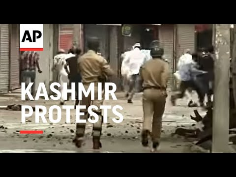 Anti Israeli protests in Indian controlled Kashmir, clashes with police