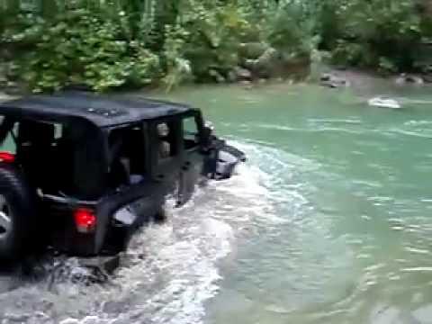 Jeep Wrangler River Crossing - YouTube