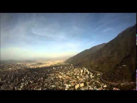 Volando Caracas en Agusta 109 E Power.