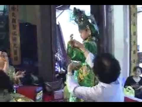 7 tuổi Hầu đồng Nguyễn Quang Ninh (Hoài Đức- HN)  P2
