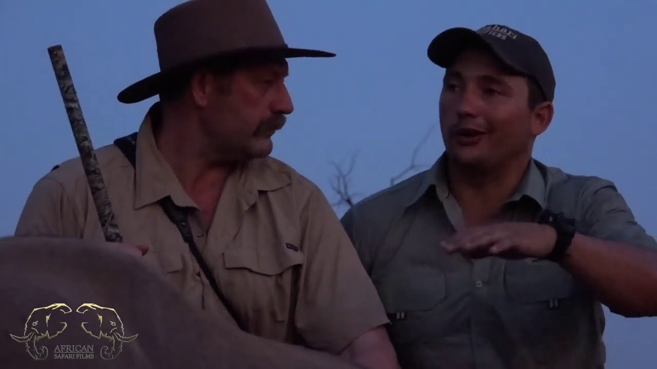 Download CAPE BUFFALO Hunt in South Africa - Full Length Hunting Video