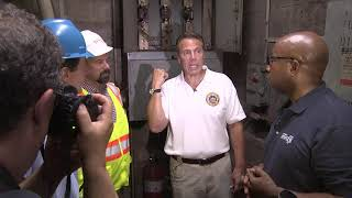Governor Cuomo Tours the New York City Subway