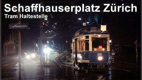 Sonntagabend an der Tram Haltestelle Schaffhauserplatz Zürich