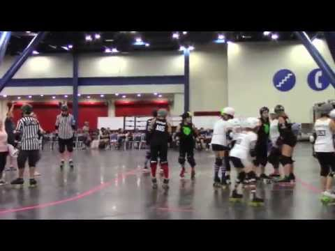 Celebrity Liam Stone Candid Travels Texas Houston Ladies Roller Derby at Comicpalooza 2014