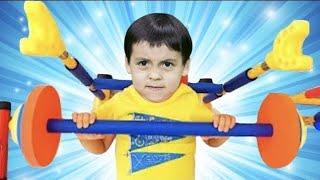 나도 슈퍼히어로가 될꺼야!  Mashu wants to be strong like a superhero.- 마슈토이 Mashu ToysReview