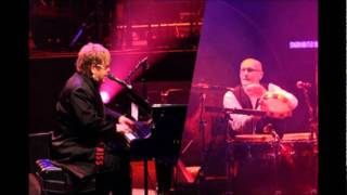 #15 - Funeral For A Friend/Tonight - Elton John & Ray Cooper - Live in Paris 2009