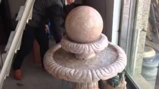 Фонтан из мрамора с шаром в Китае(Компания КитайКамень предлагает фонтаны из гранита и мрамора, полудрагоценных камней, а так же изделия..., 2015-01-20T12:54:07.000Z)