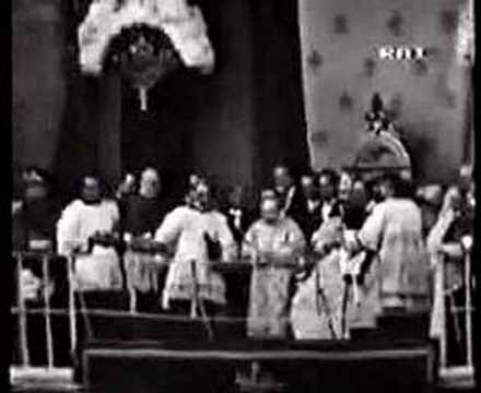Papal Coronation 25 -The Coronation itself 2