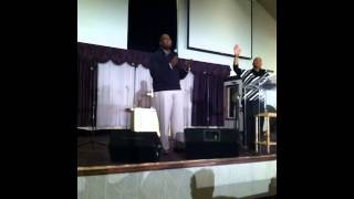 Pastor Jamil Willis singing #lov2014